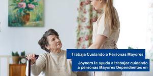 trabaja cuidando a personas mayores