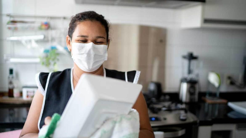 El drama de las empleadas de hogar: sin prestacion por desempleo SEPE y sin cotizar en la Seguridad Social
