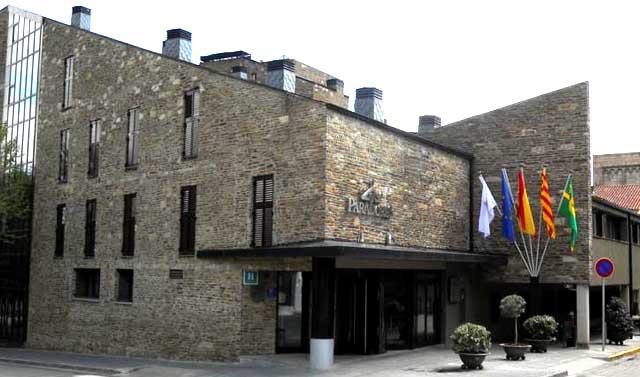 07-hotel-pirineo-catalan-parador-de-la-seu-d-urgell