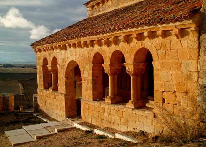 La iglesia de San Martín de Aguilera, en Bayubas de Abajo, declarada Bien de Interés Cultural