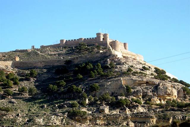 Pueblos bonitos que visitar en Albacete, Chinchilla de Montearagón