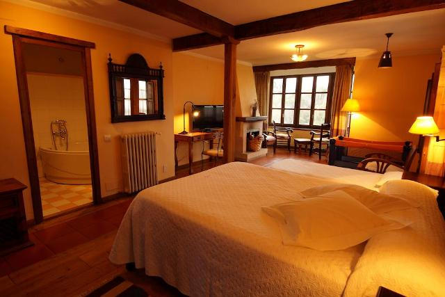 hoteles jacuzzi privado habitacion montaña magica
