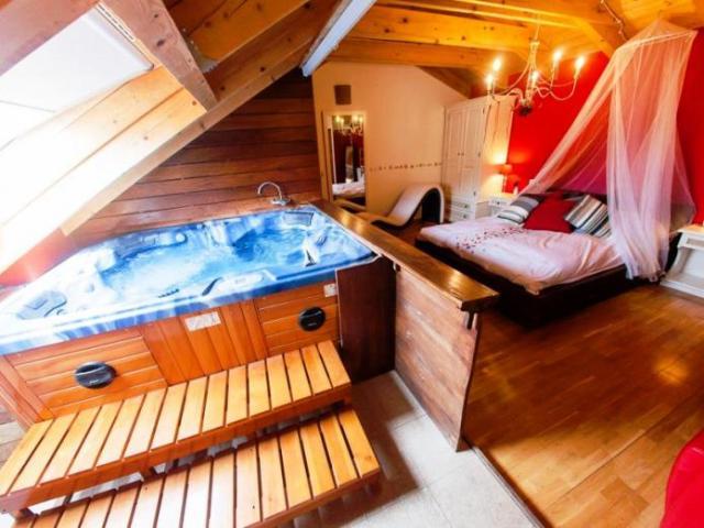 hoteles jacuzzi privado habitacion balcon pirineo