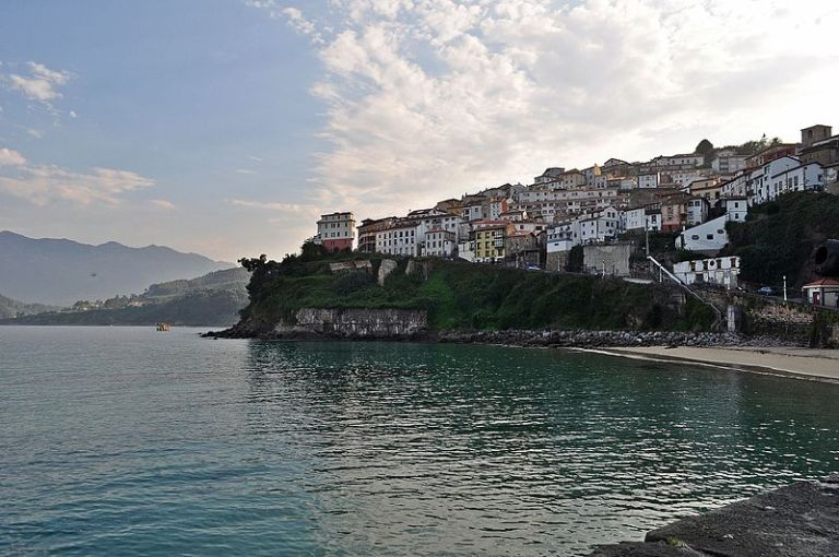 El Puerto de Lastres, en la ruta del mar del Camino de Santiago