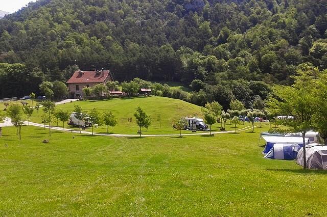 mejores campings huesca borda bisaltico
