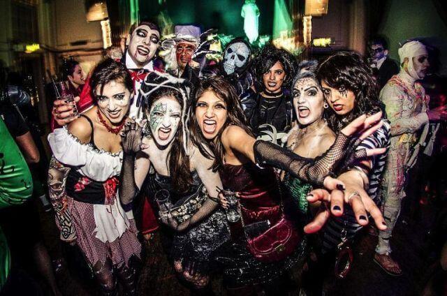 fiesta halloween poblado medieval