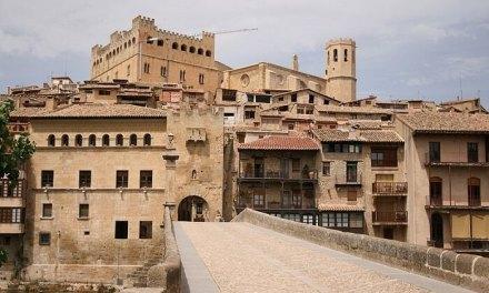 Ligero descenso del turismo rural de Aragón en diciembre