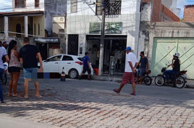 Photo of Jovem de 17 anos é morto a tiros em frente a salão de beleza onde trabalhava em Jequié