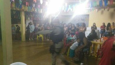 Photo of Polícia encerra festa de aniversário com 100 pessoas em Itapetinga; aniversariante foi levado para a delegacia