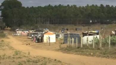 Photo of Duas pessoas são mortas a tiros em área de ocupação de terra em Conquista; cadeirante foi atingida dentro de barraco