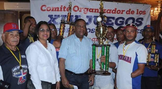 Republica Dominicana conquista torneo mundial Softbol Bandidos de un solo Brazo