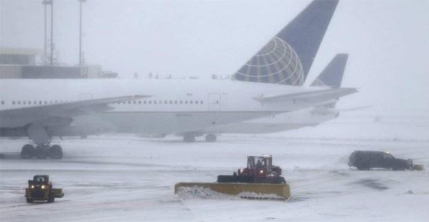 Suspenden 15 vueltos de EEUU a RD por tormenta de nieve - Noticias Villa  Riva