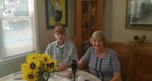 Adultos-mayores-pareja
