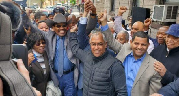 Ratifican en El Bronx apoyo al reverendo Díaz_ encuestas lo sitúan como favorito