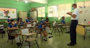 estudiantes-no-deberan-compartir-utiles-ni-alimentos-en-regreso-a-clases