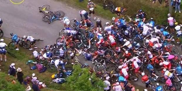 mas-de-100-ciclistas-involucrados-en-accidente-en-tour-de-francia-2021