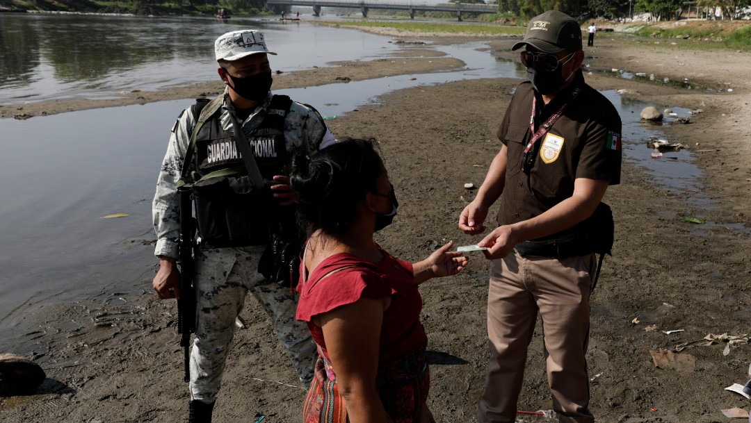 México multiplica agentes migratorios en la frontera con Guatemala