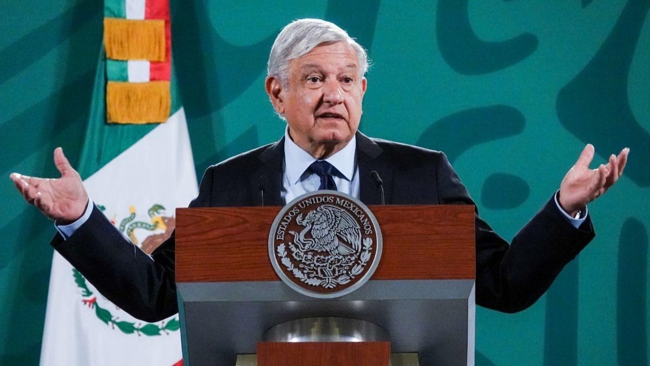 AMLO propone eliminar diputados y senadores plurinominales