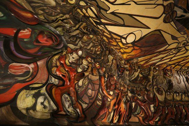 """El mural más grande del mundo está ubicado en la CDMX y lleva el nombre de  """"La marcha de la humanidad"""". ¿Ya lo visitaste?"""