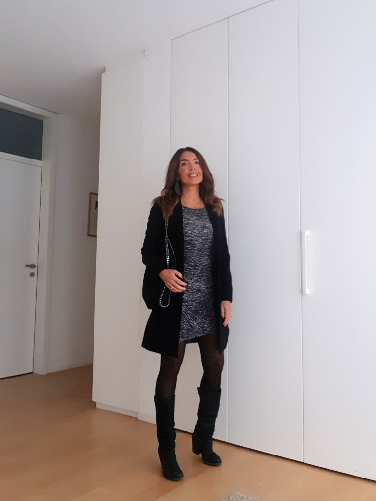 Winter Outfits: Grey and Black are Happy Colors!