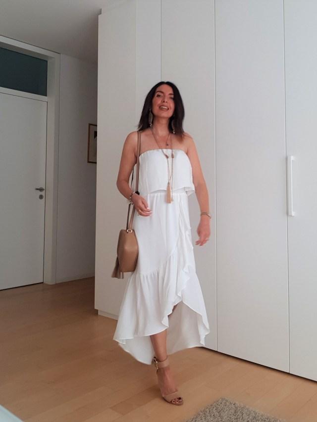 Vestito lungo bianco e Gucci Soho Disco