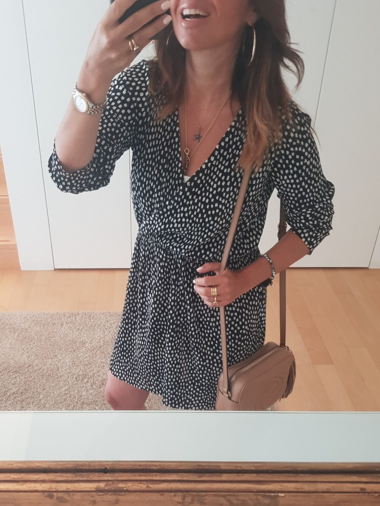 How to wear a wrap dress in a late summer outfit