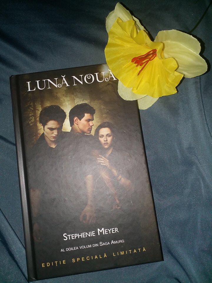 """Recenzie: """"Lună Nouă"""" – Stephenie Meyer"""