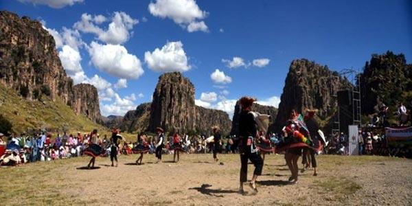 Cusco promueve turismo social para alumnos de la Amazonía
