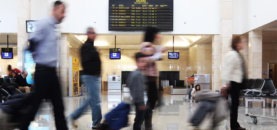Sitios webs que debes conocer si buscas un viaje de última hora en vacaciones