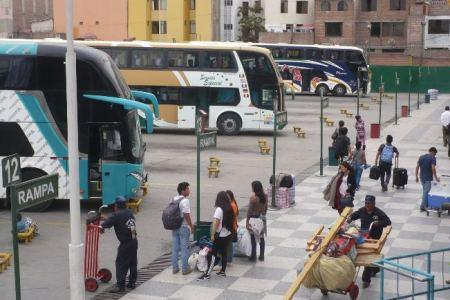 Arequipa: Gracias a terramoza detienen a dos sujetos que robaban equipajes
