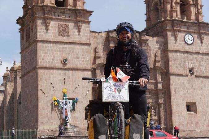 Lima: Ciclista indio liderará bicicleteada llevando mensaje de prevención del VIH/SIDA