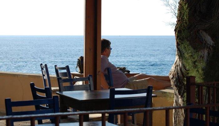 Jens schaut aufs Meer