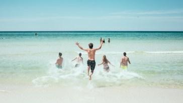 Tutte le regole per viaggiare all'estero nell'estate 2021: green pass, Plf, test a sorpresa