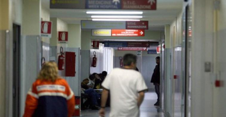 Riva Ligure, 65enne morto quattro mesi dopo il vaccino AstraZeneca: disposta autopsia