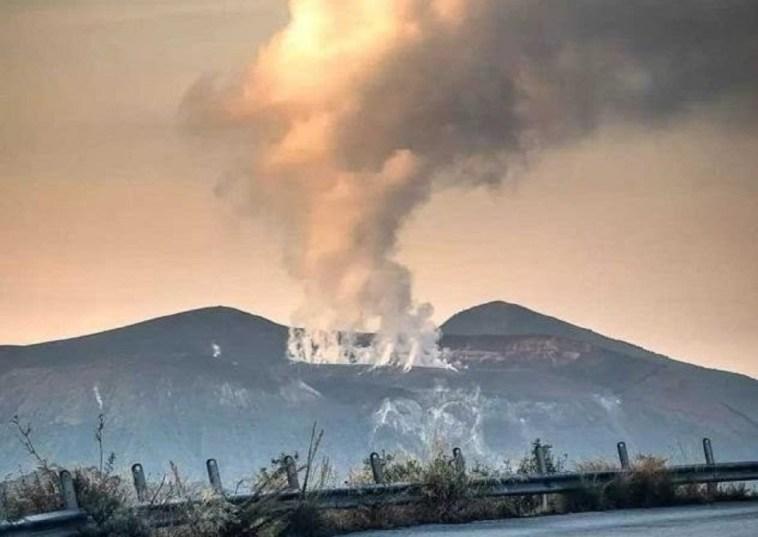 Fumi tossici a Vulcano, malori ad abitanti ed animali delle Eolie