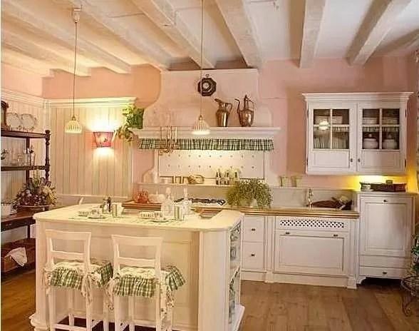 Mantovane per cucina shabby e country realizzate su misure in tessuti di puro cotone e lino. La Cucina In Stile Provenzale Notizie In Vetrina
