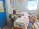 Madame le Préfet Léocadie Tiao dans son bureau