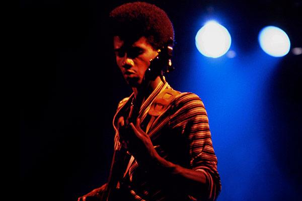 "Alphonso Johnson's ""Black Market"" Performance"
