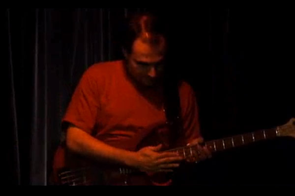 Zuzo Moussawer: Two Hand Tapping the Standards