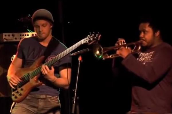 Hadrien Feraud Band: Rumeurs