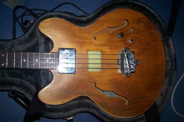 Old School: 1967 Epiphone EB-232 Bass