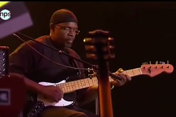 Melvin Lee Davis with Lee Ritenour: Rio Funk