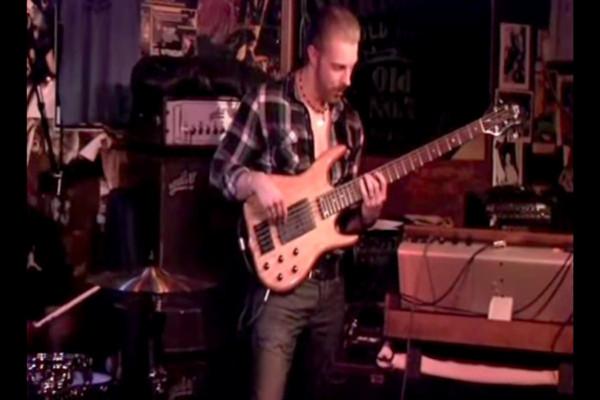 "Hadrien Feraud: ""Marching Powder"" Live Bass Solo"
