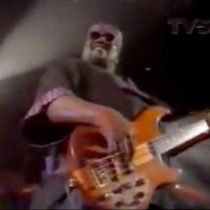 Stevie Wonder with Nate Watts: Sir Duke and I Wish, Live