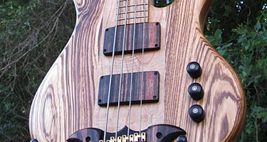 Custom Shop: Birdsong Guitars