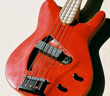 Top 10: The 6-String Debate, The Best Bass Gear and Videos, Reader Spotlight and Interview with Alex Webster