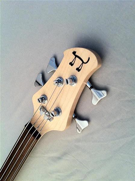 Chillbass Pantera Fretless Bass Headstock