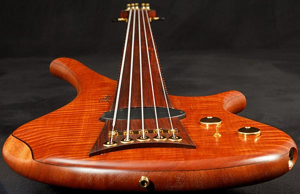 Marleaux Diva Custom Bass - perspective view