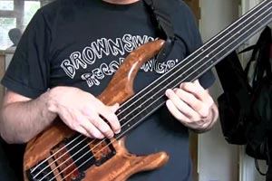 "Mike Flynn: ""Very Early"" Fretless Bass Solo"