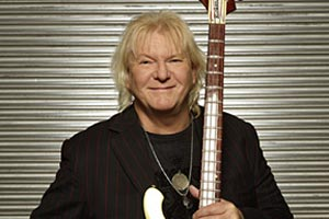 """Chris Squire and Steve Hackett To Release Collaborative Album as """"Squackett"""""""